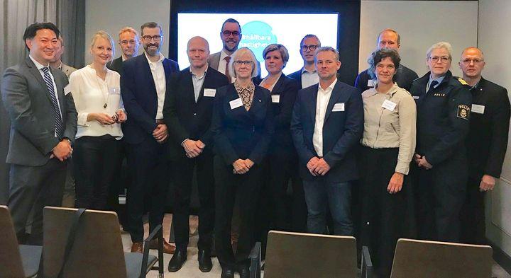 Gruppbild från högnivåmöte med statssekreterare Mattias Landgren om hållbara hastigheter.