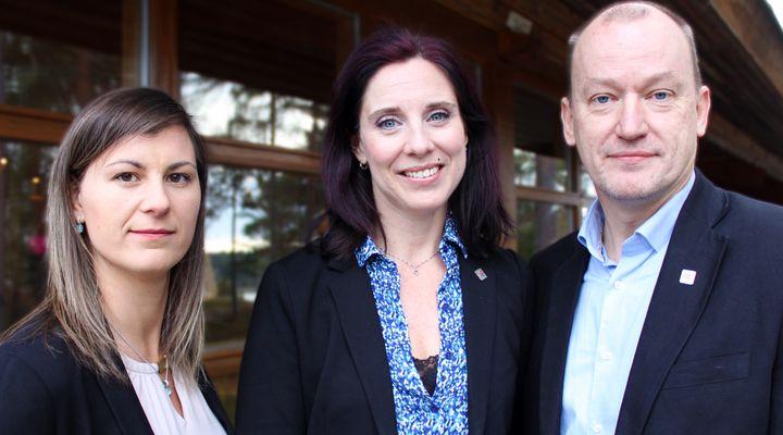 Sveriges Ingenjörers presidium (fr. vänster: Sara Magnusson, 2:e vice ordförande; Ulrika Lindstrand, förbundsordförande; Per Norlander, 1:e vice ordförande)