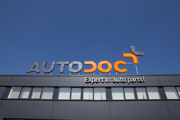 Despite the corona crisis, the Berlin-based car parts dealer Autodoc GmbH was able to increase its sales in the first quarter of 2020 by 30 percent to 165.5 million euros (previous year 127.0 million euros).