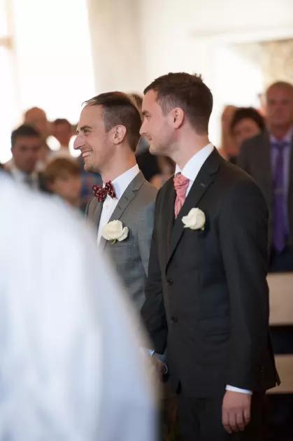 8ba55ecf70bc Stolthet och mod - Svenska kyrkan firar Pride med Regnbågsmässa och ...