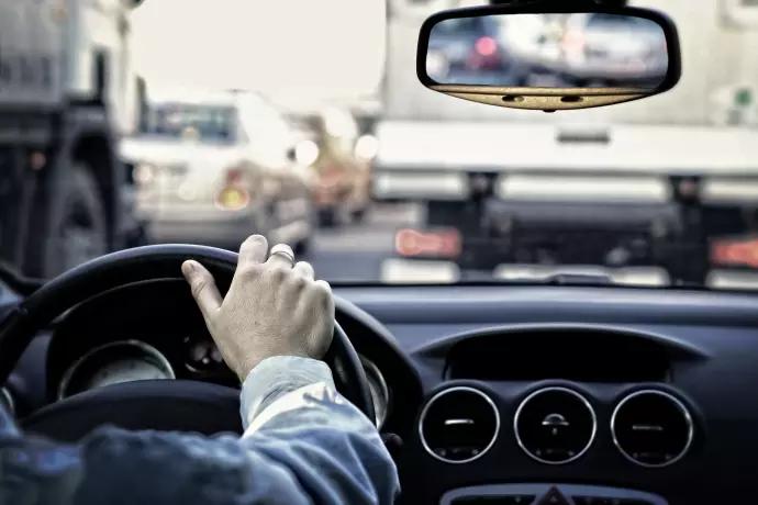 Vid bilkörning är det viktigt med extra par glasögon eller linser 711635e2e4765