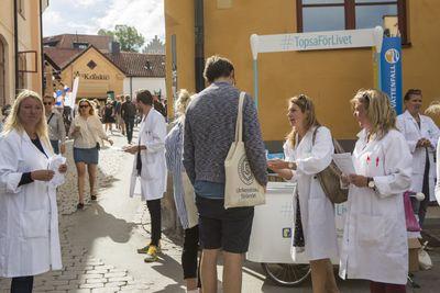 Topsa för livet på plats i Almedalen 2016. Foto: Barncancerfonden