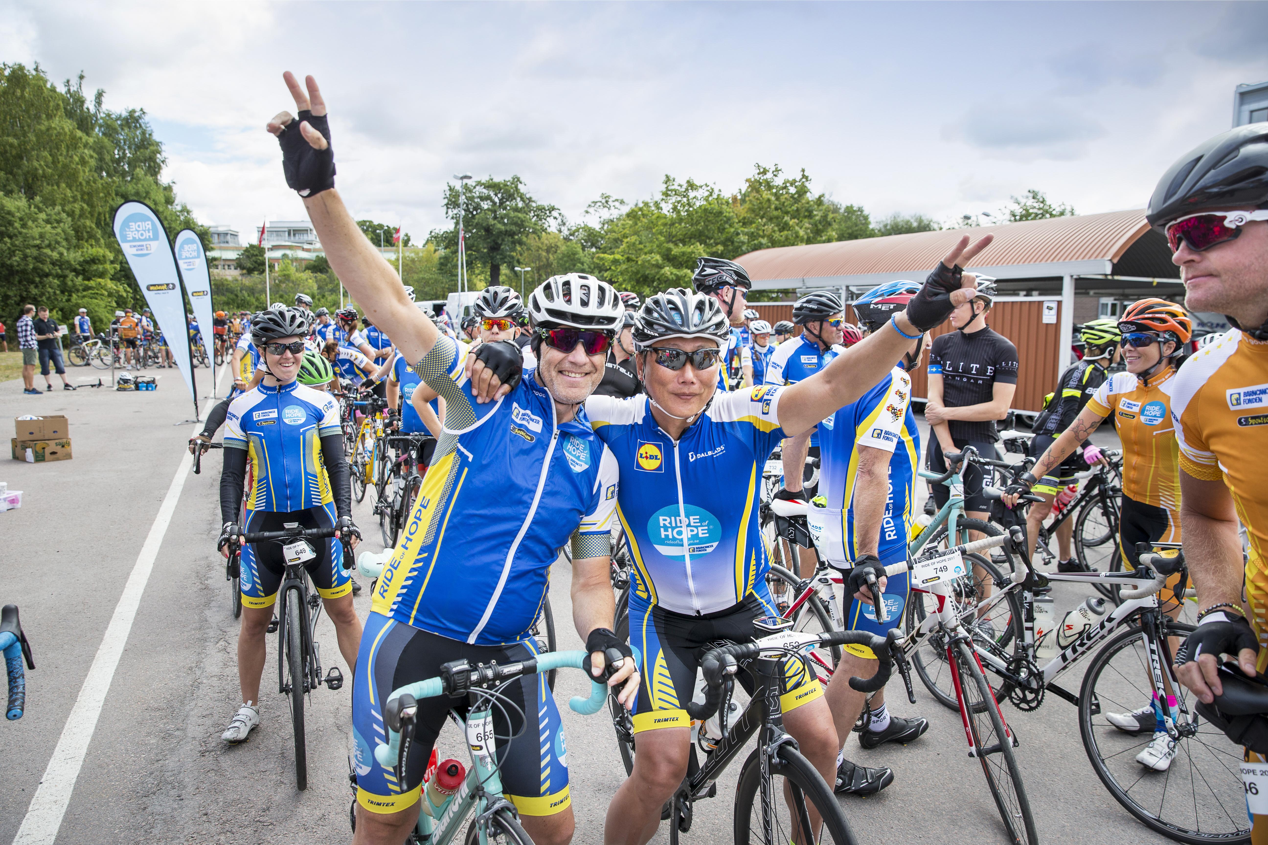 Cyklister från Barncancerfondens lopp Ride of Hope, sommaren 2017. Foto: Magnus Glans
