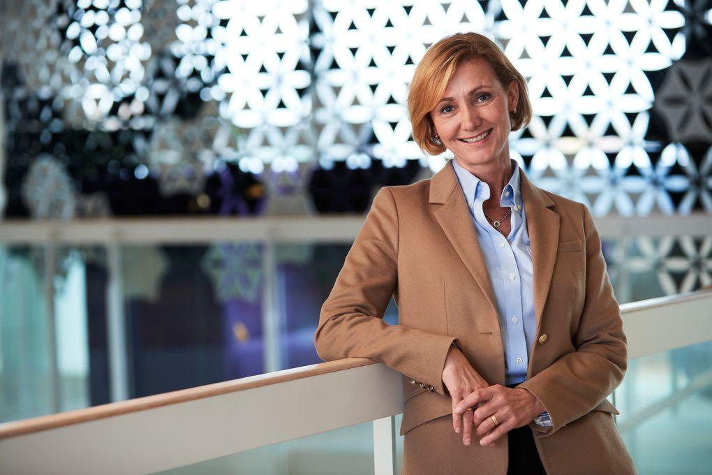 Lowina Lundström, divisionschef System