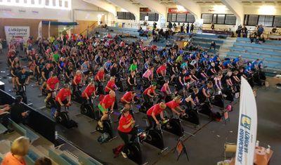 Från Spin of Hope i Lidköping, som hade 149 cyklar igång och samlade in 634 862 kronor.