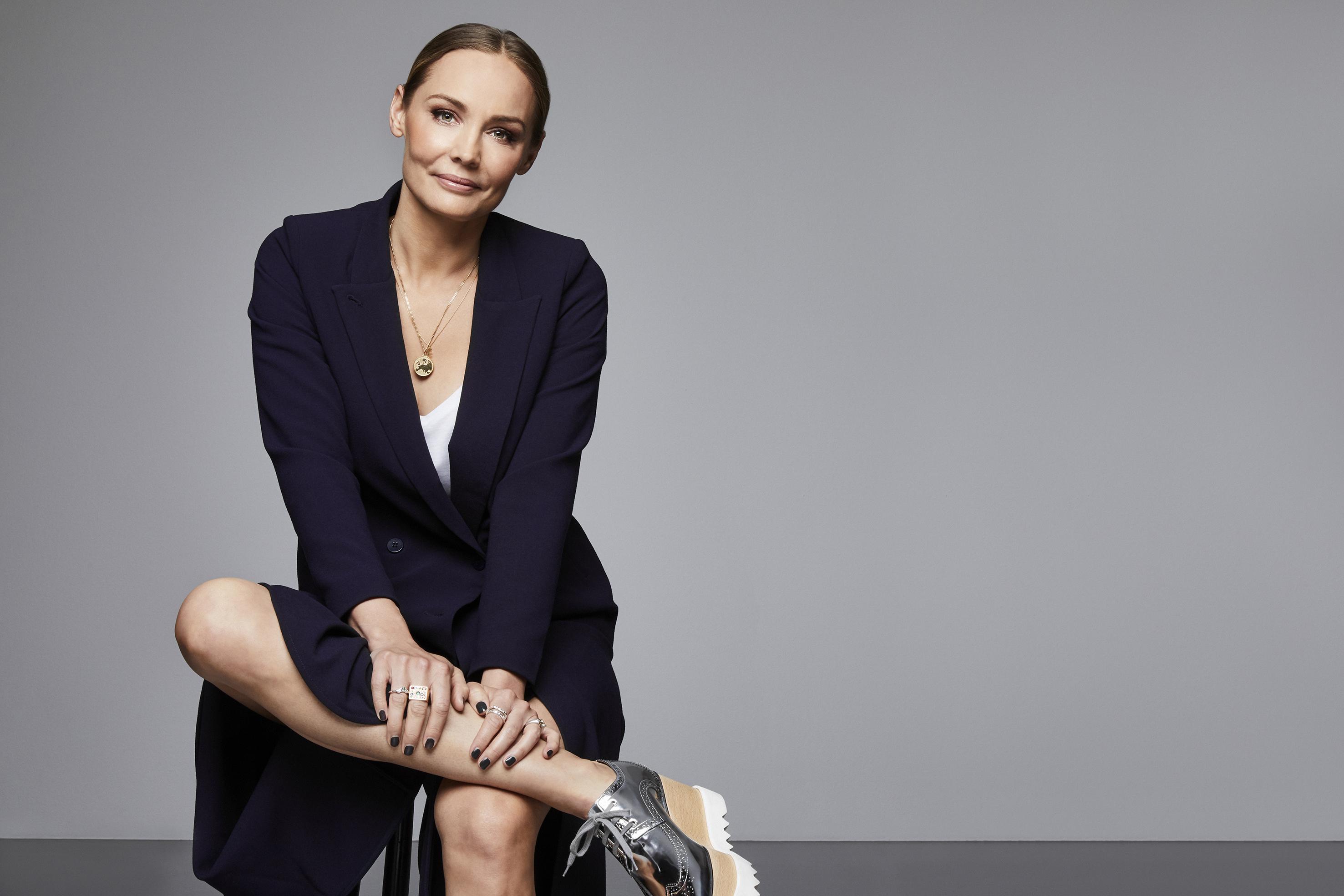Carina Berg leder Barncancergalan - Det svenska humorpriset som sänds direkt i Kanal 5 den 1 oktober. Foto: Magnus Ragnvid/Kanal 5
