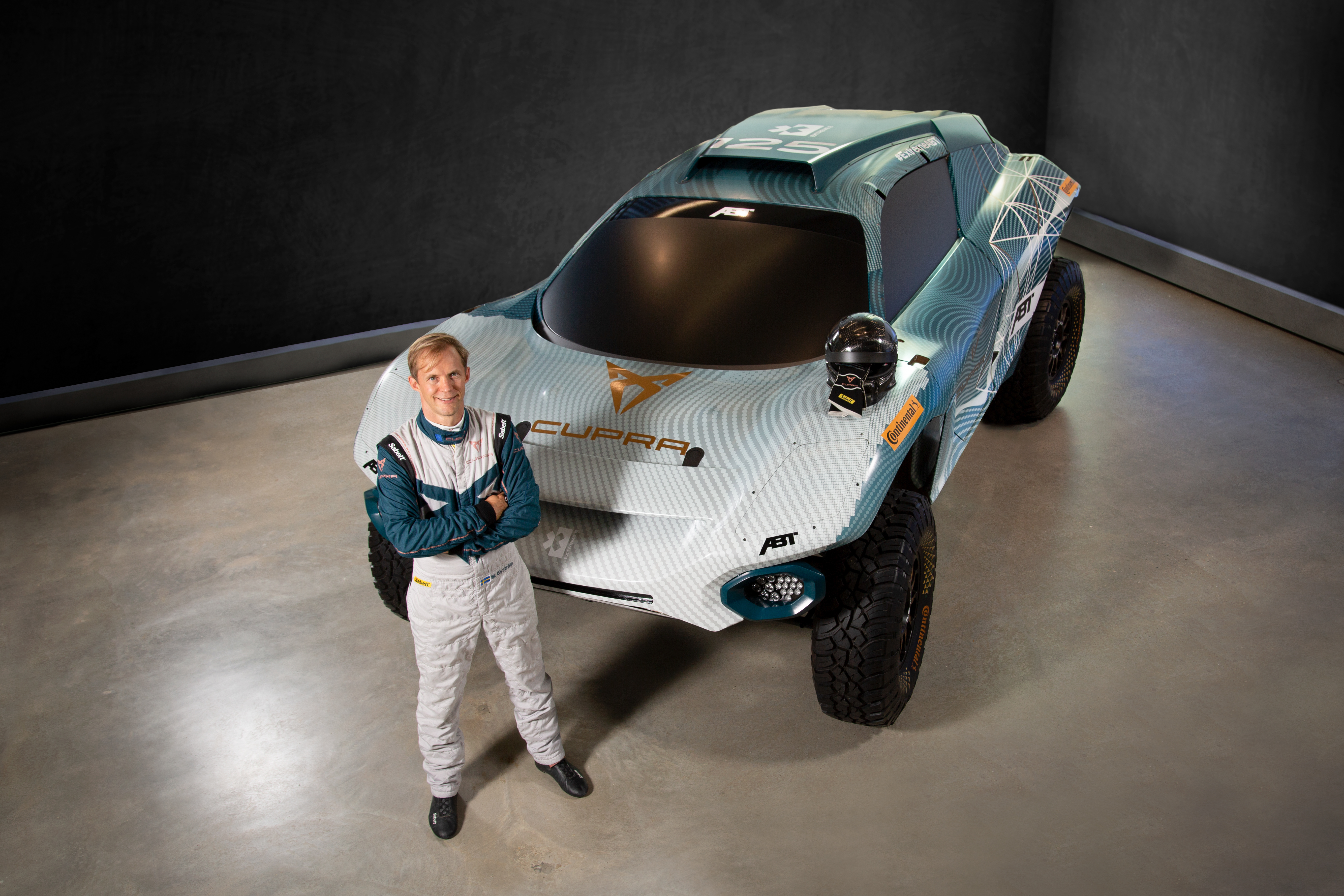 CUPRA är första biltillverkaren i unika elbilsracingserien Extreme E