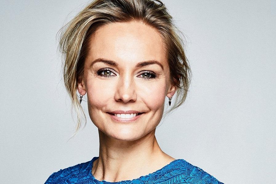 Carina Berg, programledare för Barncancergalan - Det svenska humorpriset. Foto: Magnus Ragnvid/Kanal 5