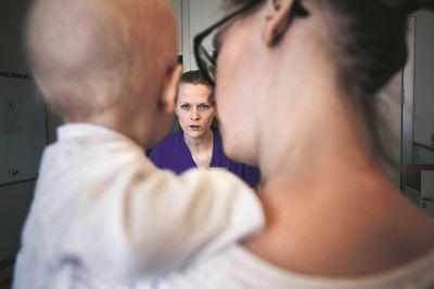 Regeringen satsar 80 miljoner kronor på barncancervården i 2020 års budget. Bilden är en genrebild. Foto: Nicke Johansson