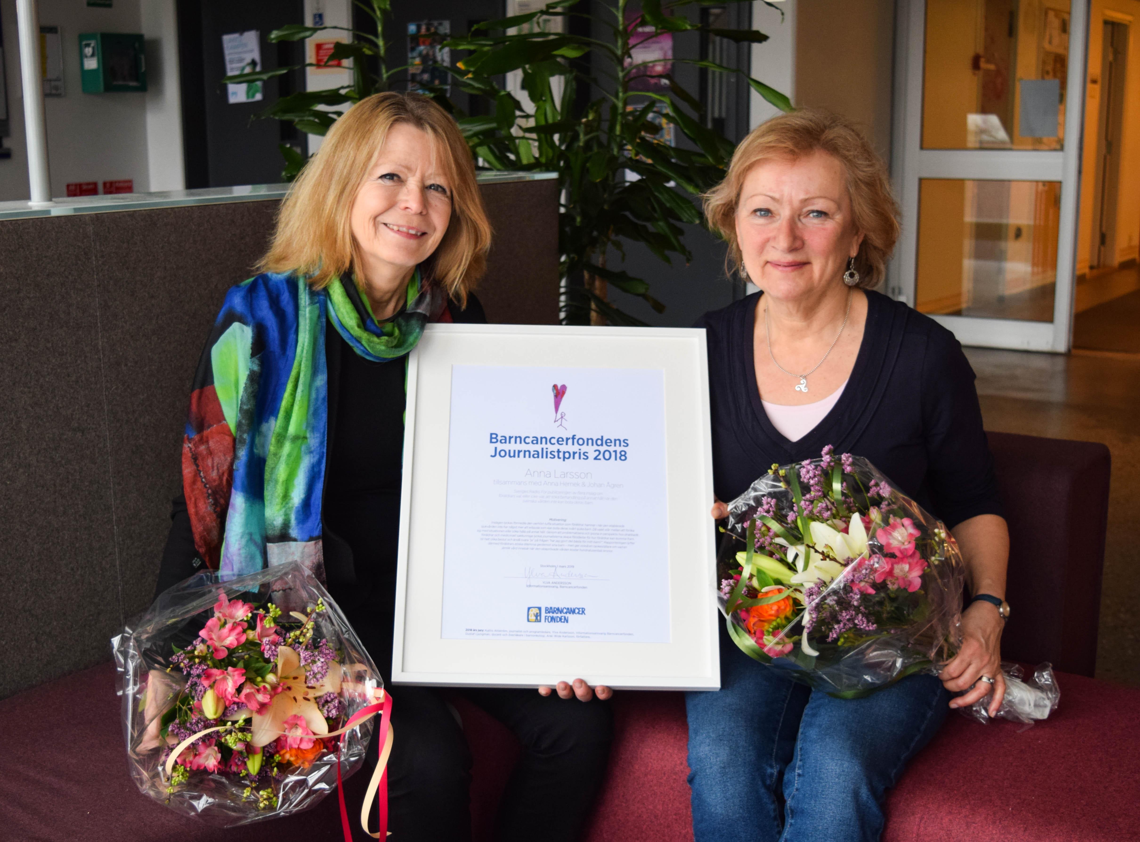 Förra årets vinnare Anna Larsson (t h) och Anna Hernek (t v).