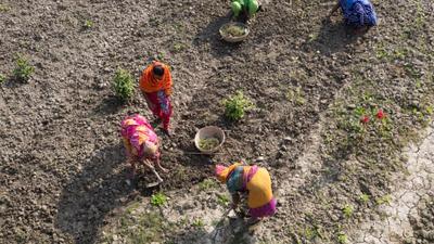 Klimatförändringarna slår hårt mot människorna i Bangladesh. Rikare länder måste ge ett större stöd till fattigare länder så att de kan anpassa sig till klimatförändringarna och delta i klimatomställningen. Foto: Martina Holmberg