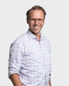 Qred CEO Emil Sunvisson (vertical portrait)