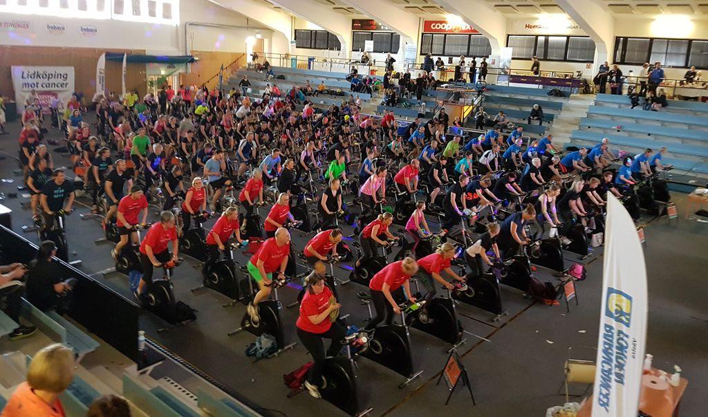 Spin of Hope i Lidköping är det största i Sverige och samlar tusentals personer.