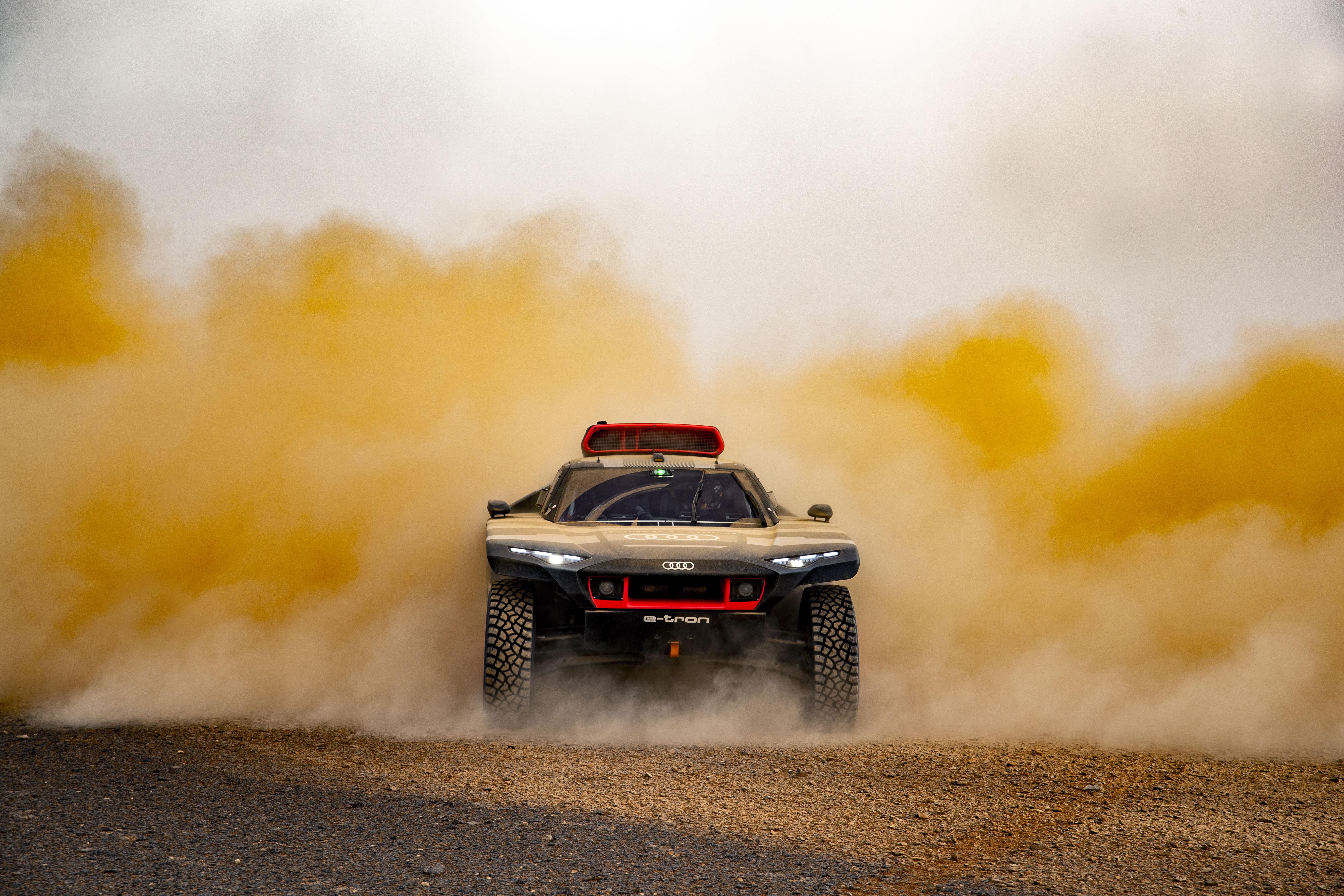 Hetta och sandstormar: Audi RS Q e-tron testad i Marocko inför Dakarrallyt