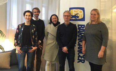 Amelie Furborg, Press- och PR-ansvarig på Barncancerfonden och journalistprisjuryn; Carlos Rojas, Anki Wide Karlsson, Gustaf Ljungman och Ylva Andersson (på bilden saknas Kattis Ahlström)