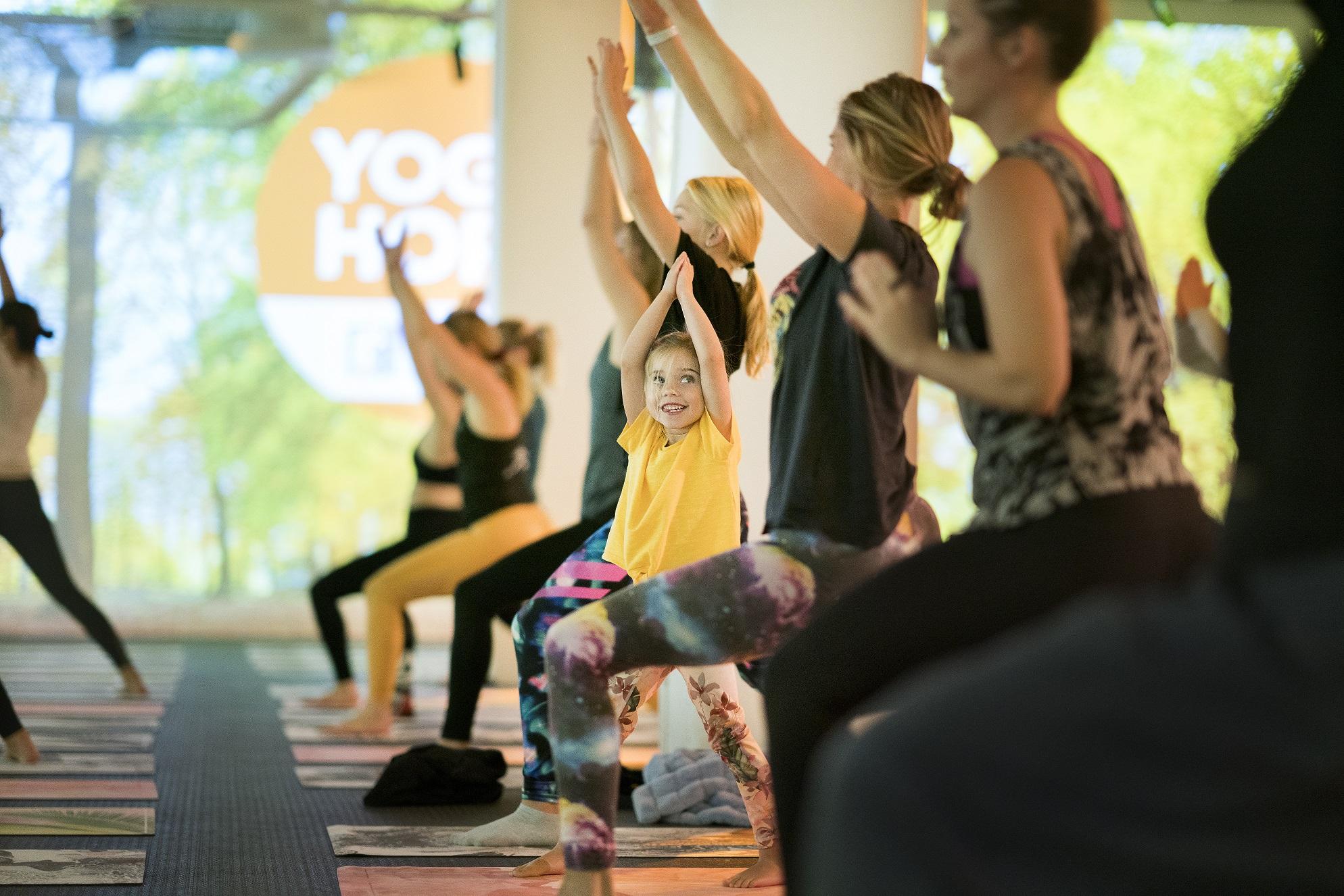 Fotografiska i Stockholm var en av 160 platser i Sverige där Yoga of Hope arrangerades. Foto: Jennifer Glans