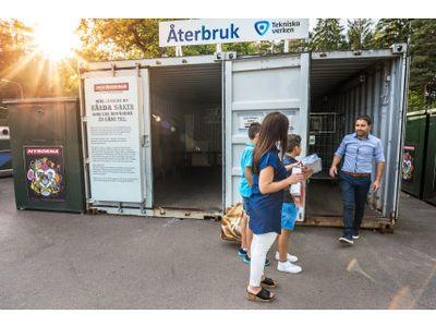 Bild: Så här ser det ut på återvinningscentralerna idag, men 1  september kommer kunderna att möta en 200 kvadratmeter stor återbrukshall.