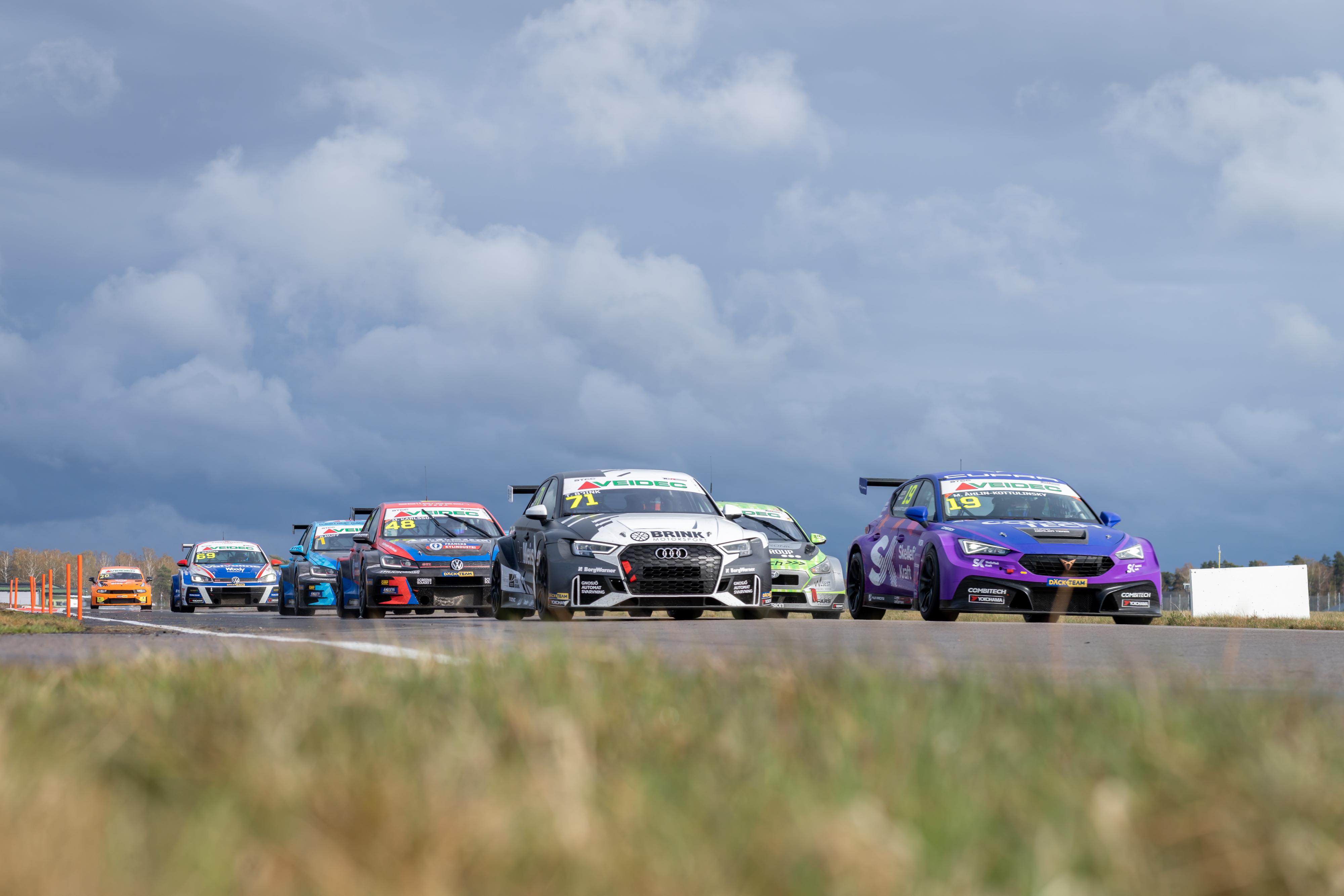 CUPRA Dealer Team - PWR Racing inleder jakten på STCC-guldet